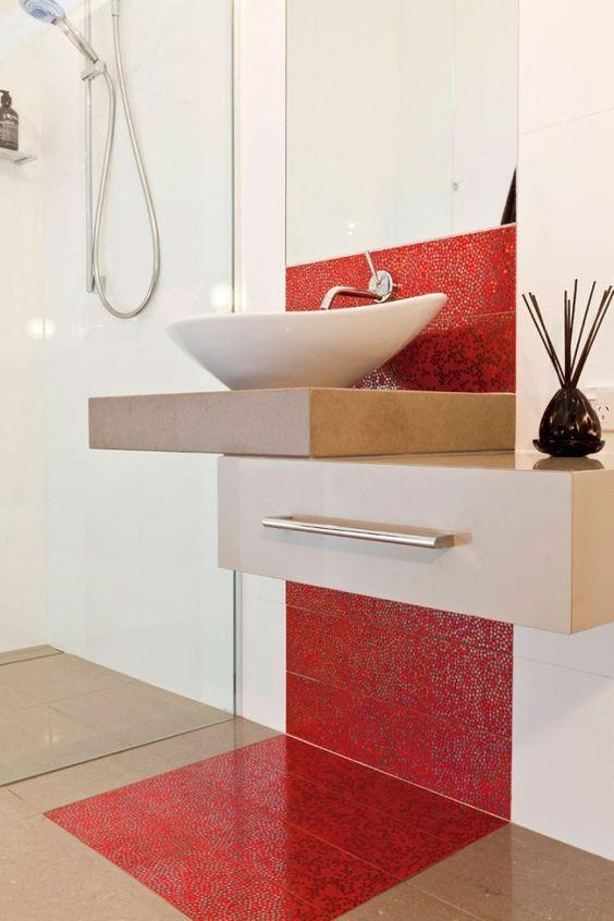Baños elegantes en color rojo