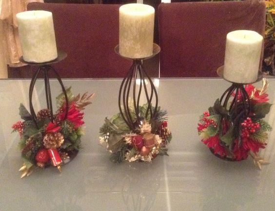 Centros de mesa de navidad en bases de herreria con esferas