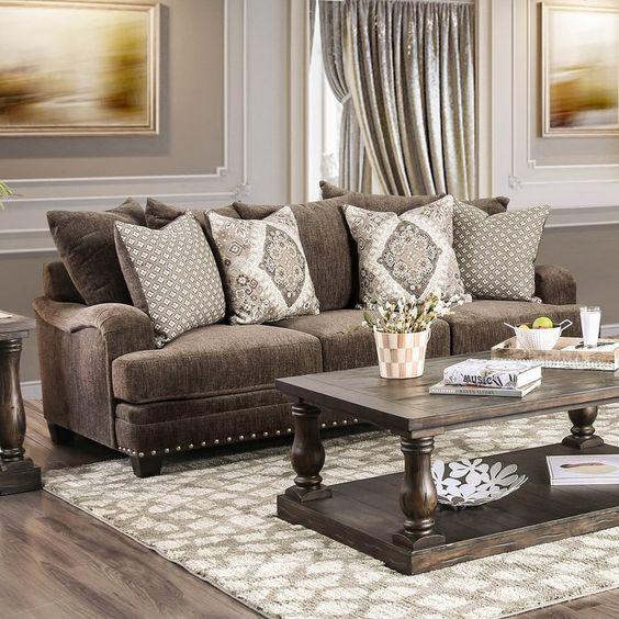muebles en color madera para salones clasicos