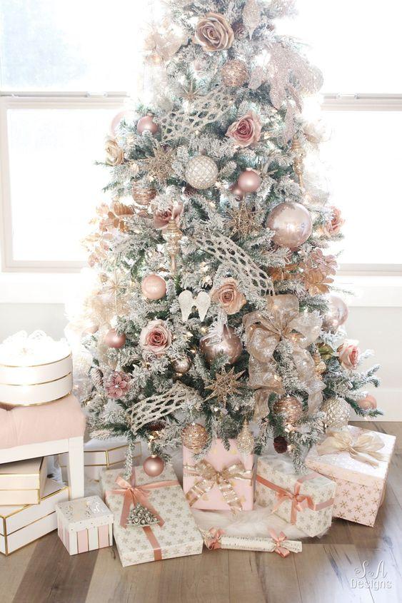 pinos de navidad para decorar espacios confortables