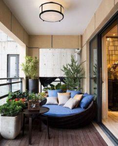 terrazas modernas con pisos de madera obscuros