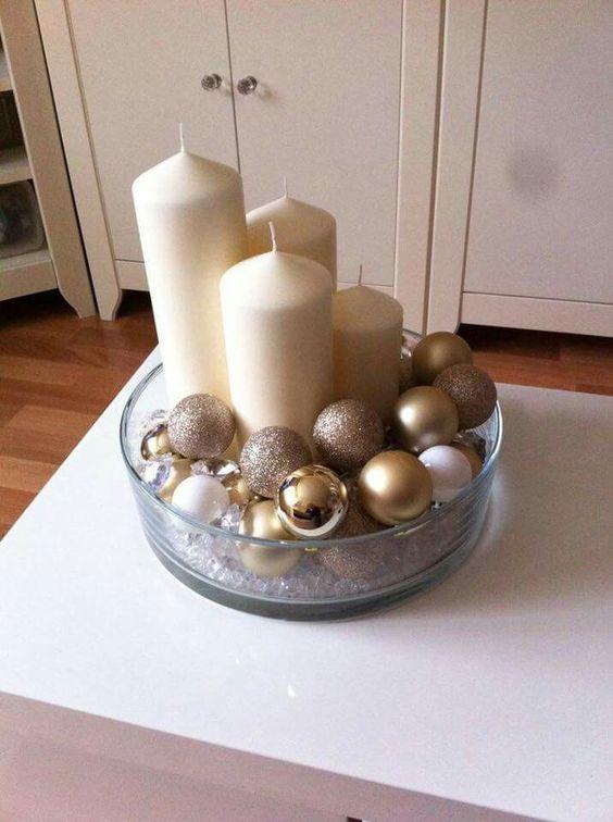 adornos navideños dorado y plata con esferas