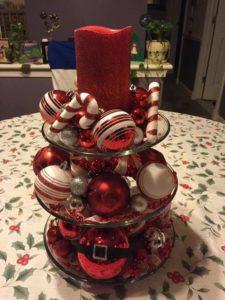 arreglos navideños rojos con velas