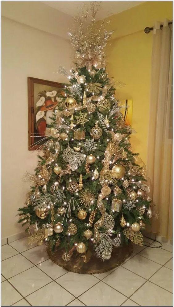 como decorar arboles de navidad dorado y plata con malla