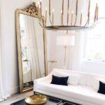Salas elegantes con detalles metálicos