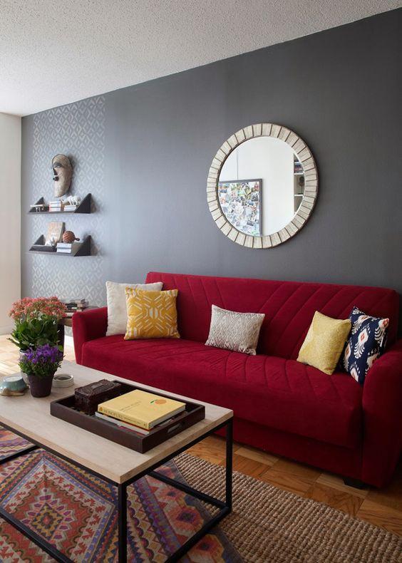 Salas de estar decoradas con rojo