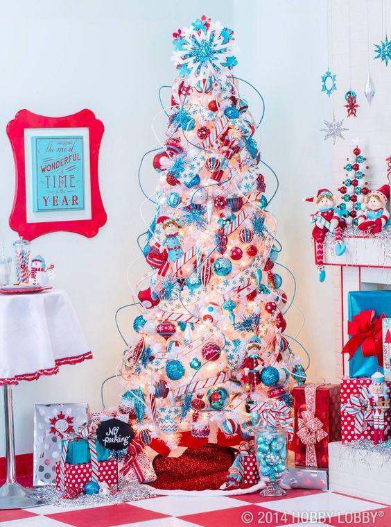 Tendencias en decoración navideña azul y rojo
