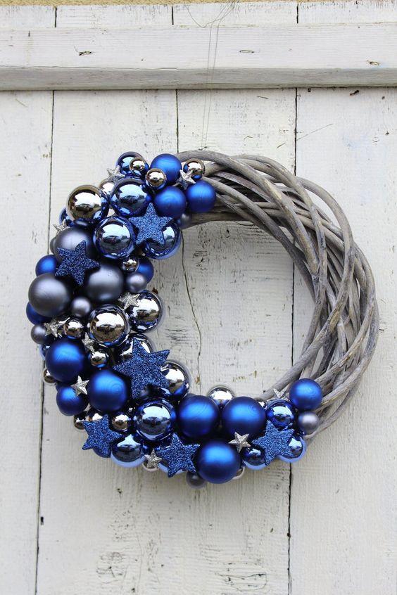 Coronas navideñas azul y plata