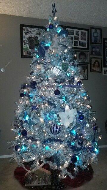Árboles de navidad azul y plata