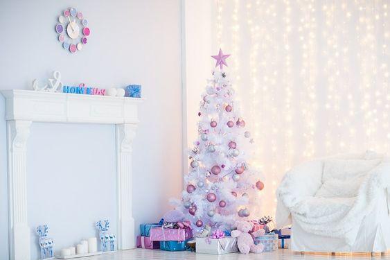 Entradas de casa para navidad rosa y plata