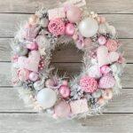 Coronas navideñas en color rosa y plata