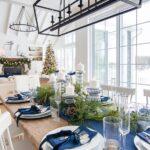 Mesa decorada para navidad azul y plata